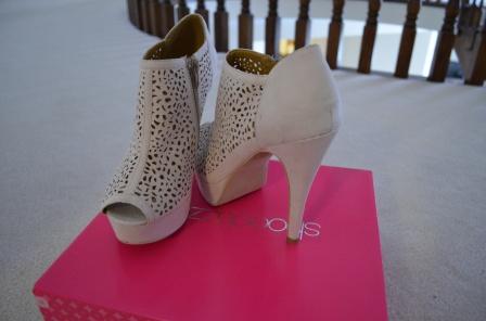 (DSC_0083) cream booties