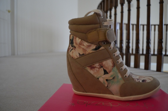 (DSC_0088) sneaker wedges SIDE
